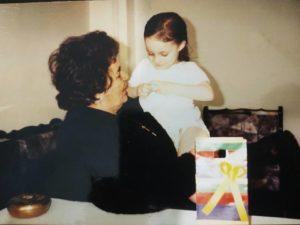 Εγώ με τη γιαγιά μου Κατερίνα,χαρούμενη μετά τα κεφτεδάκια ακολουθούσε και δώρο...